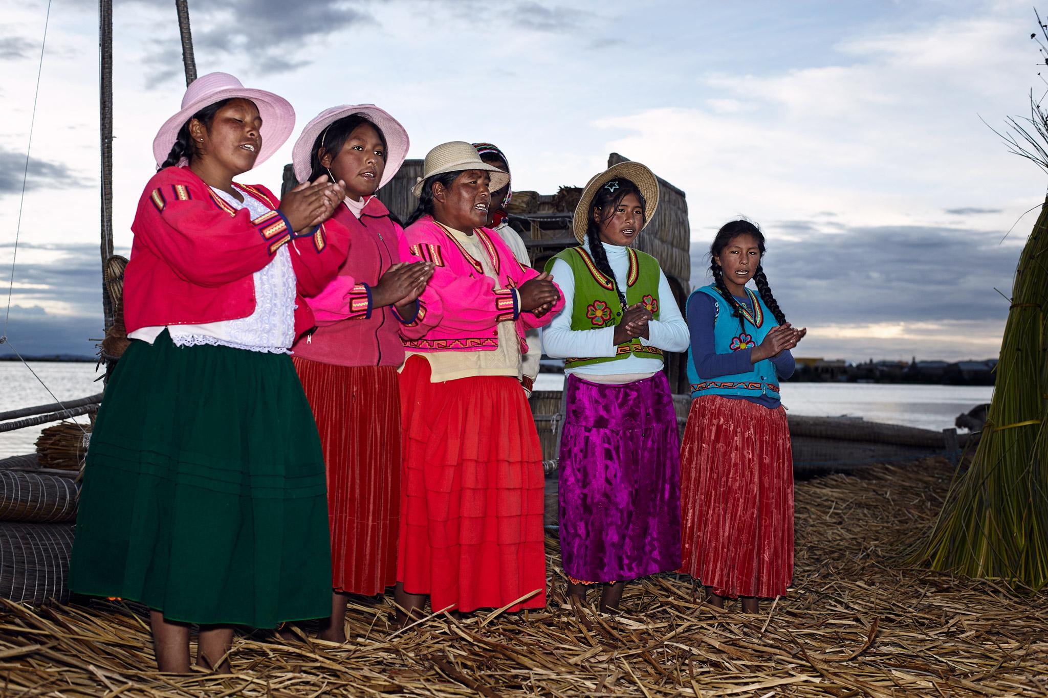 THE GIRLS FROM UROS ISLAND, TITICACA LACE, PERU