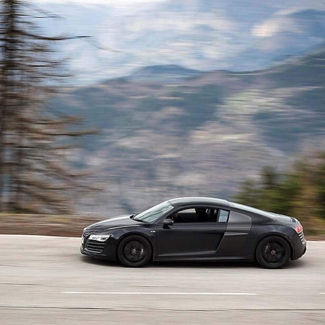 Stealth mode #audi #r8 #stealth #automotive #supercar #hypercar #ferrari #mclaren #porsche #lamborghini #pagani #bugatti #carporn #exoticcars #carinstagram #carswithoutlimits #carparts #cartuning #london #supertweaks - photo by @sammooresphoto by supertweaks  http://ift.tt/1FsQ0p3