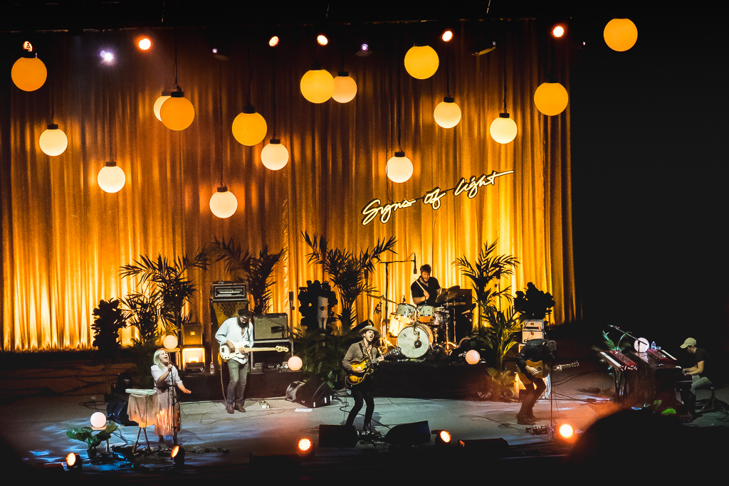 the_head_and_the_heart_greek_theater_20161008-2.jpg