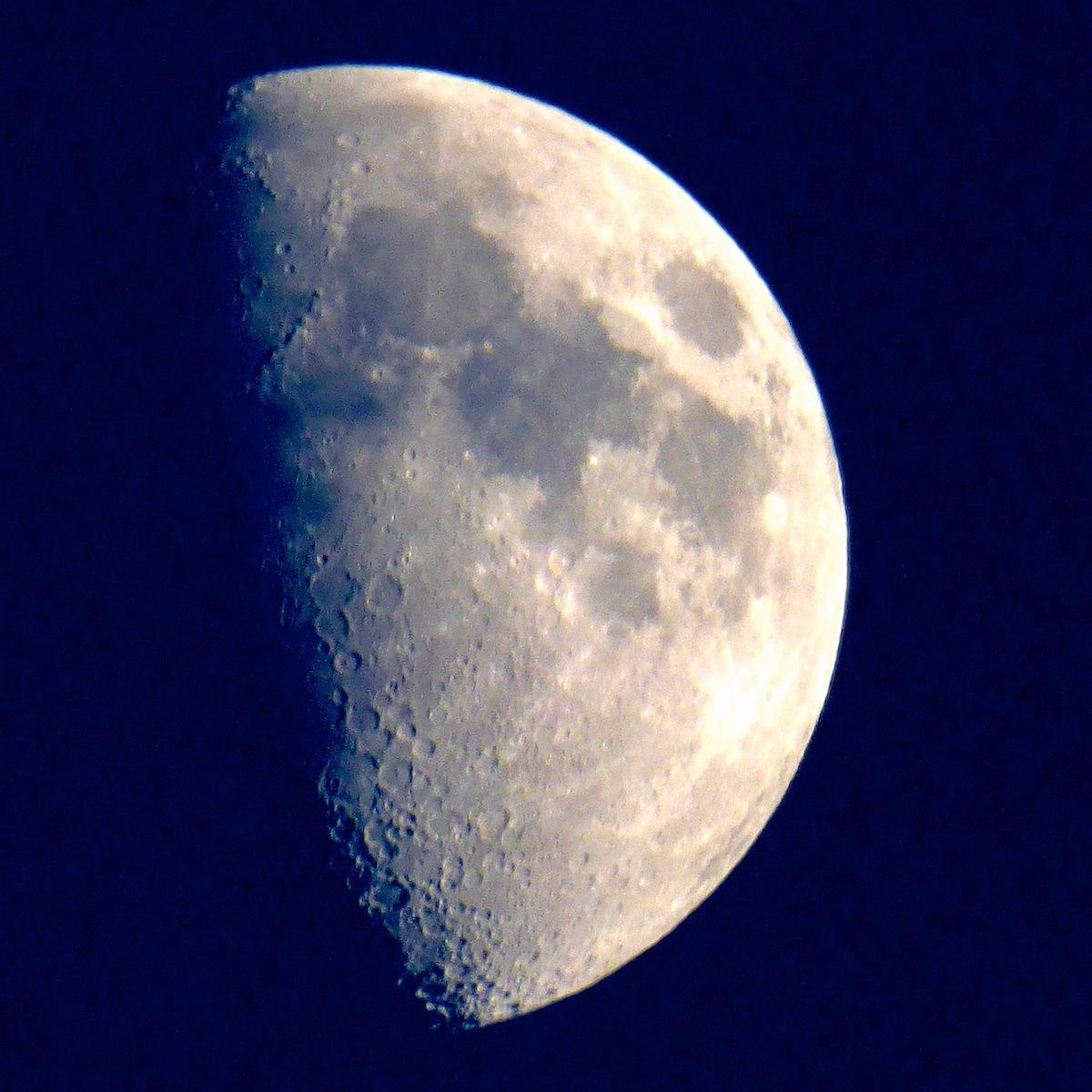 weekend-moon2.JPG