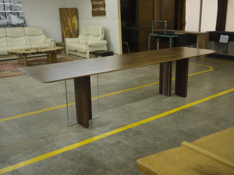 pkd-patel-walnut-acrylic-dining-15001.JPG