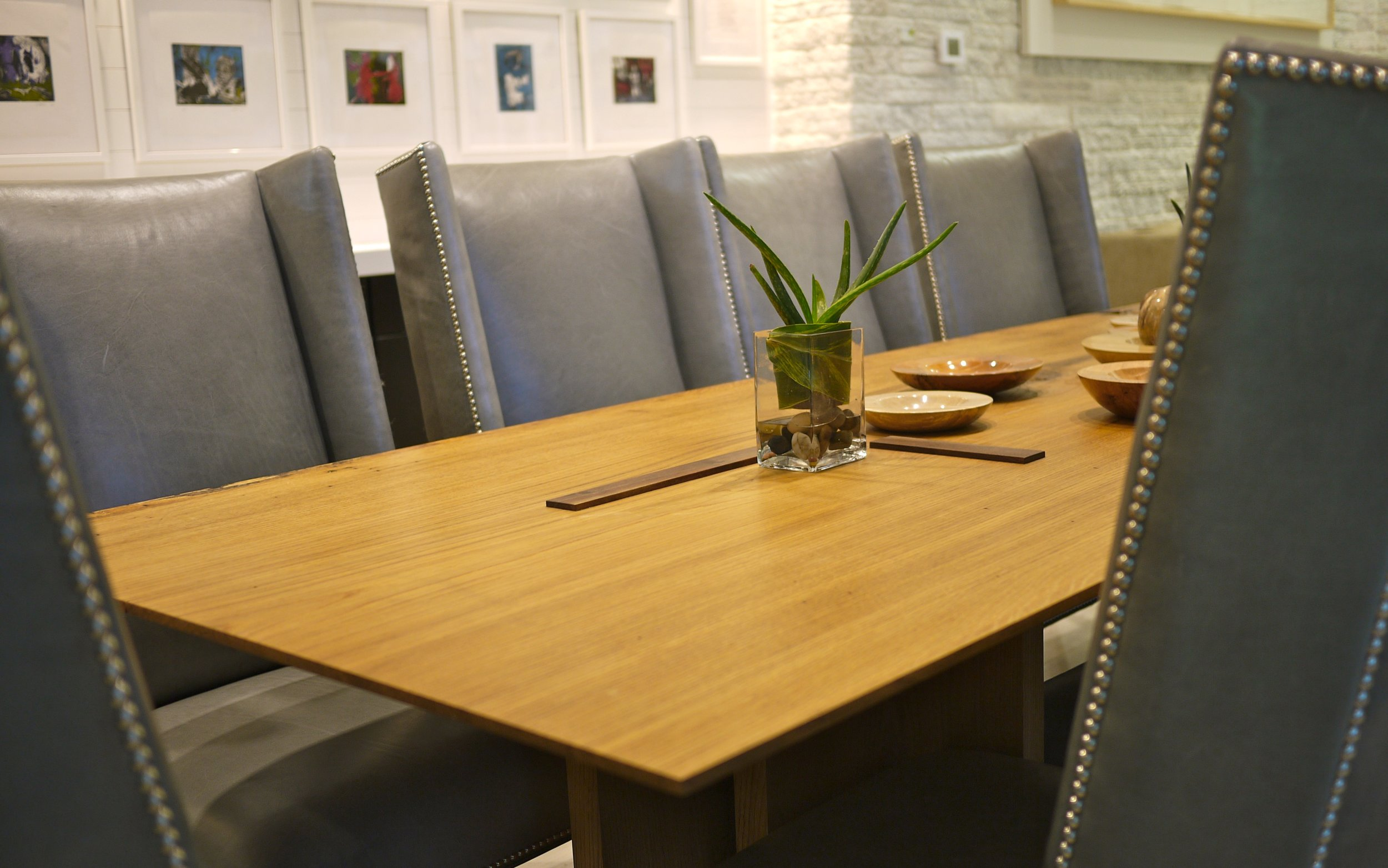 9dining-tables-from-Aperture-Full-Size 989.jpg
