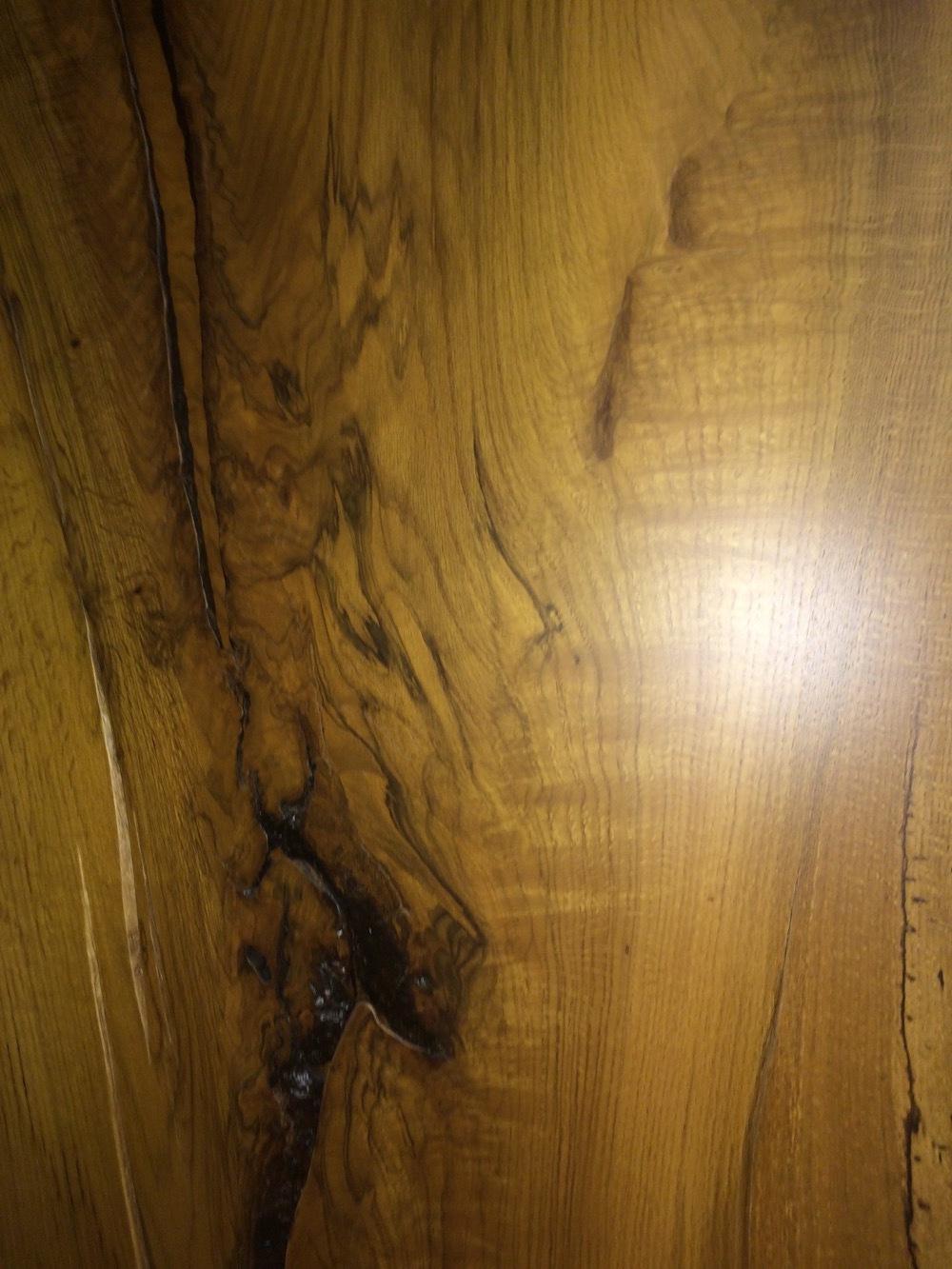 Oak-Slab-included-bark-84x45x18.JPG