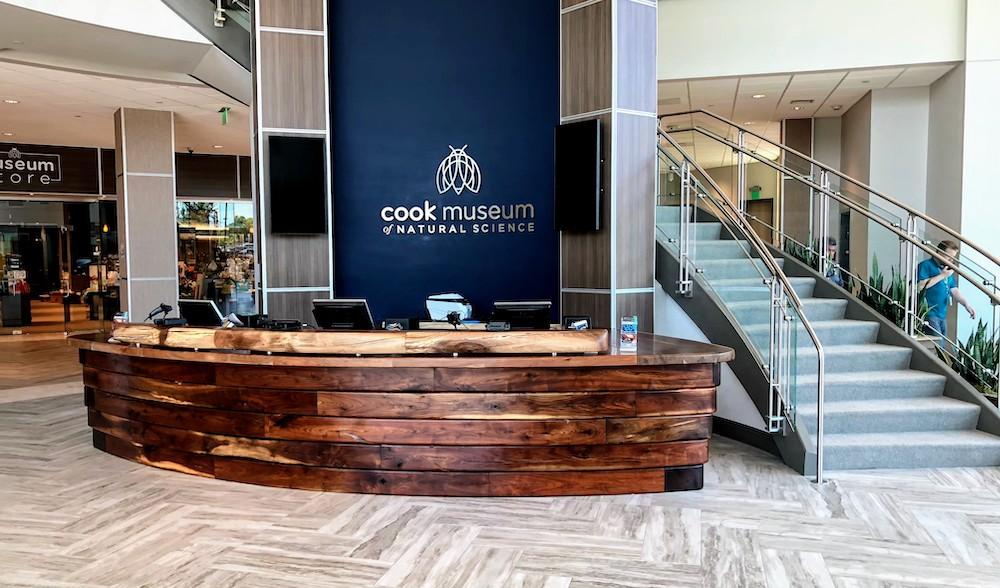 CookDesk1000k.jpg