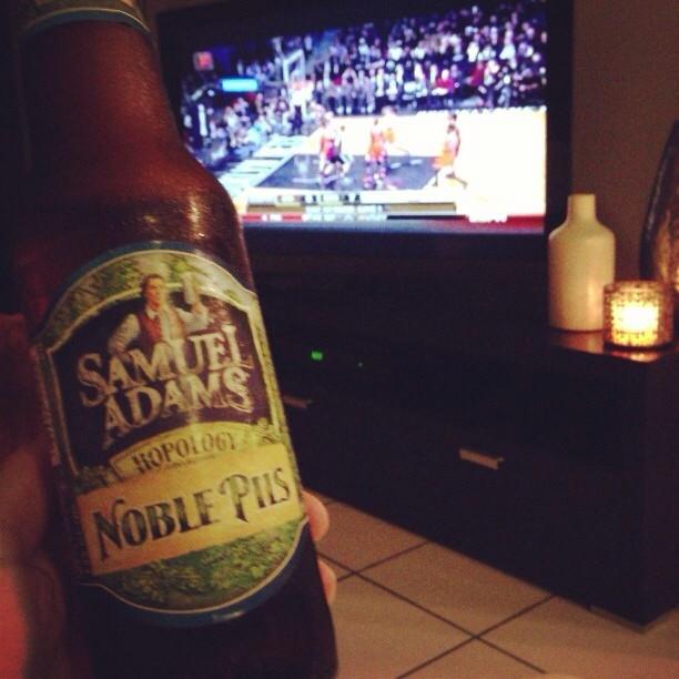 Samuel Adams Noble Pils vía @wilmagisselle en Instagram