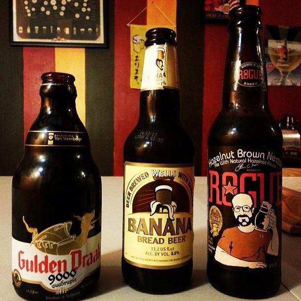 Golden Draak, Banana Bread Beer y Hazelnut Brown Nectar de Rogue vía @tessahe vía Instagram
