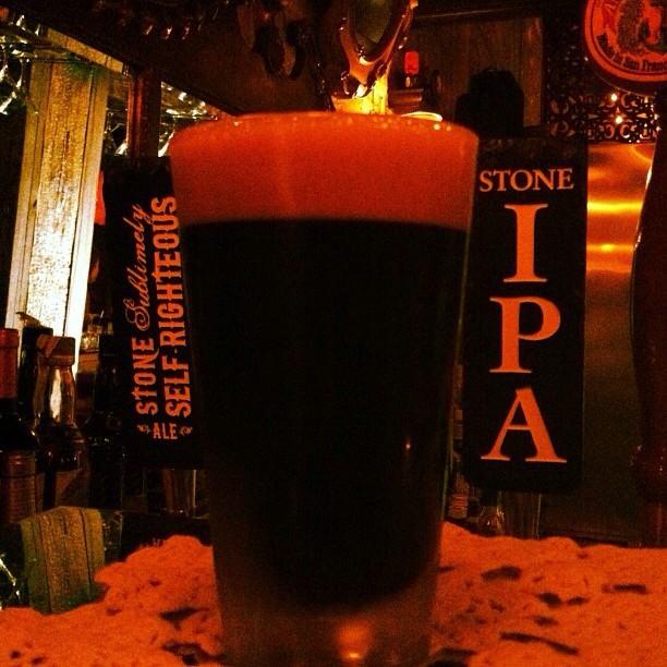 Stone Sublimely Self-Righteous Ale vía @kluddetavern en Instagram