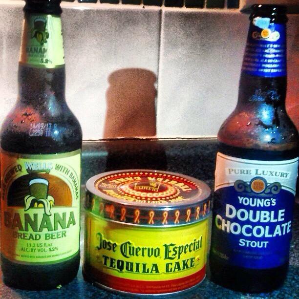 Banana Bread Beer y Young's Double Chocolate Stout vía @valdorm en Instagram
