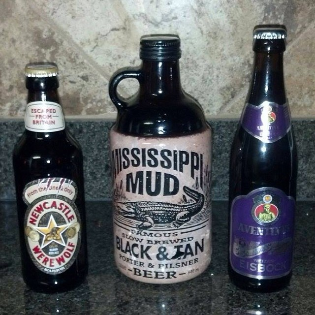 Newcastle Werewolf, Mississippi Mud Black and Tan y Aventinus Eisbock vía Edwin Rodríguez en Facebook
