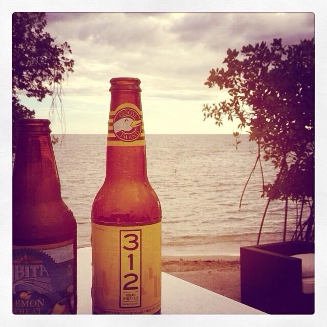 Abita Lemon Wheat y Goose Island 312 vía @@carmere en Instagram