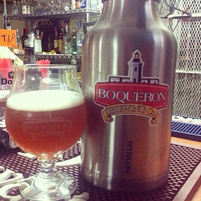 Gas Chambers de Boquerón Brewery vía @cmfrank en Instagram