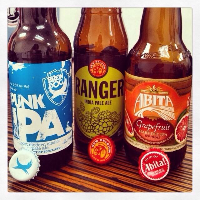 Brew Dog Punk IPA, Ranger IPA y Abita Grapefruit Harvest IPA vía @thecraftbeergal en Instagram