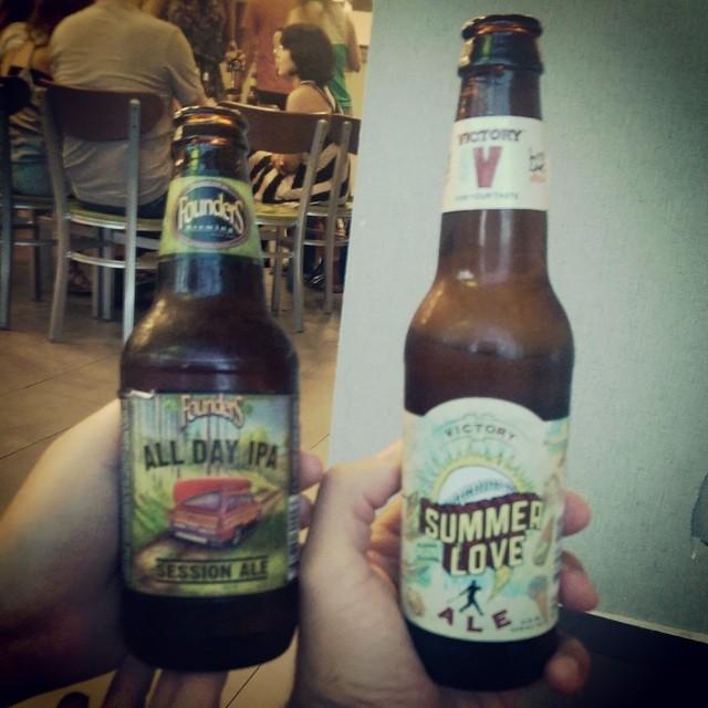 Founders All Day IPA y Victory Summer Love vía @ebra09 en Instagram
