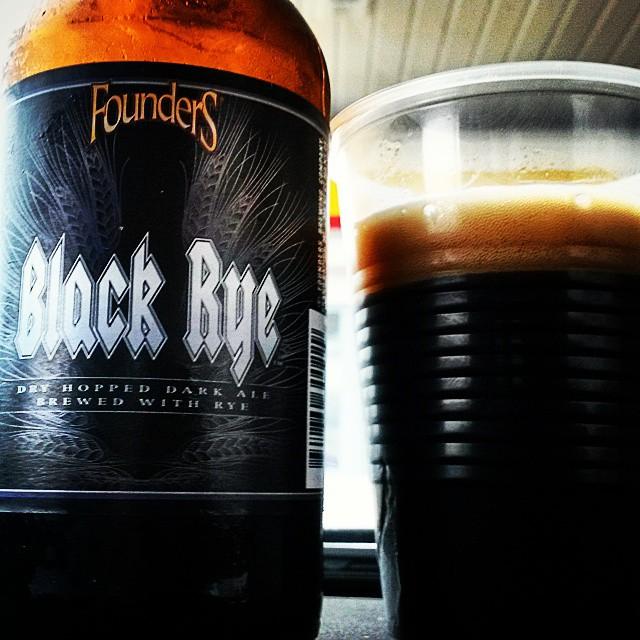 Founders Black Rye IPA vía @valdorm en Instagram