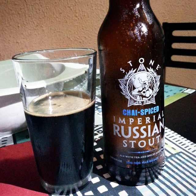 Chai-spiced Imperial Russian Stout de Stone vía @emekatreberesei en Instagram