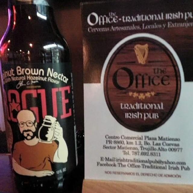 Rogue Hazelnut Brown Ale vía @theoffice_traditionalirishpub en Instagram