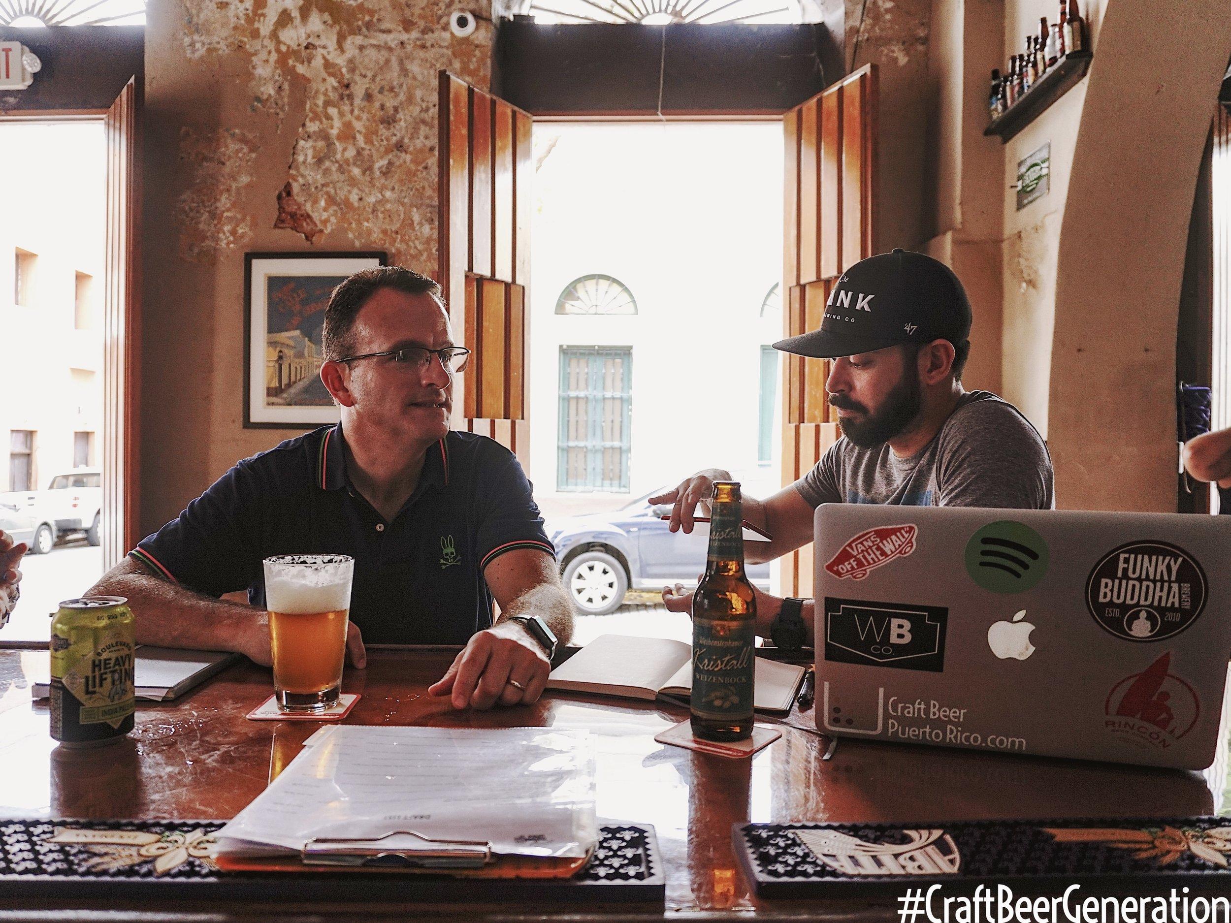 De izquierda a derecha::Alejandro Ballester, Presidente Ballester Hermanos y Gustavo Franceschini de Craft Beer Generation.