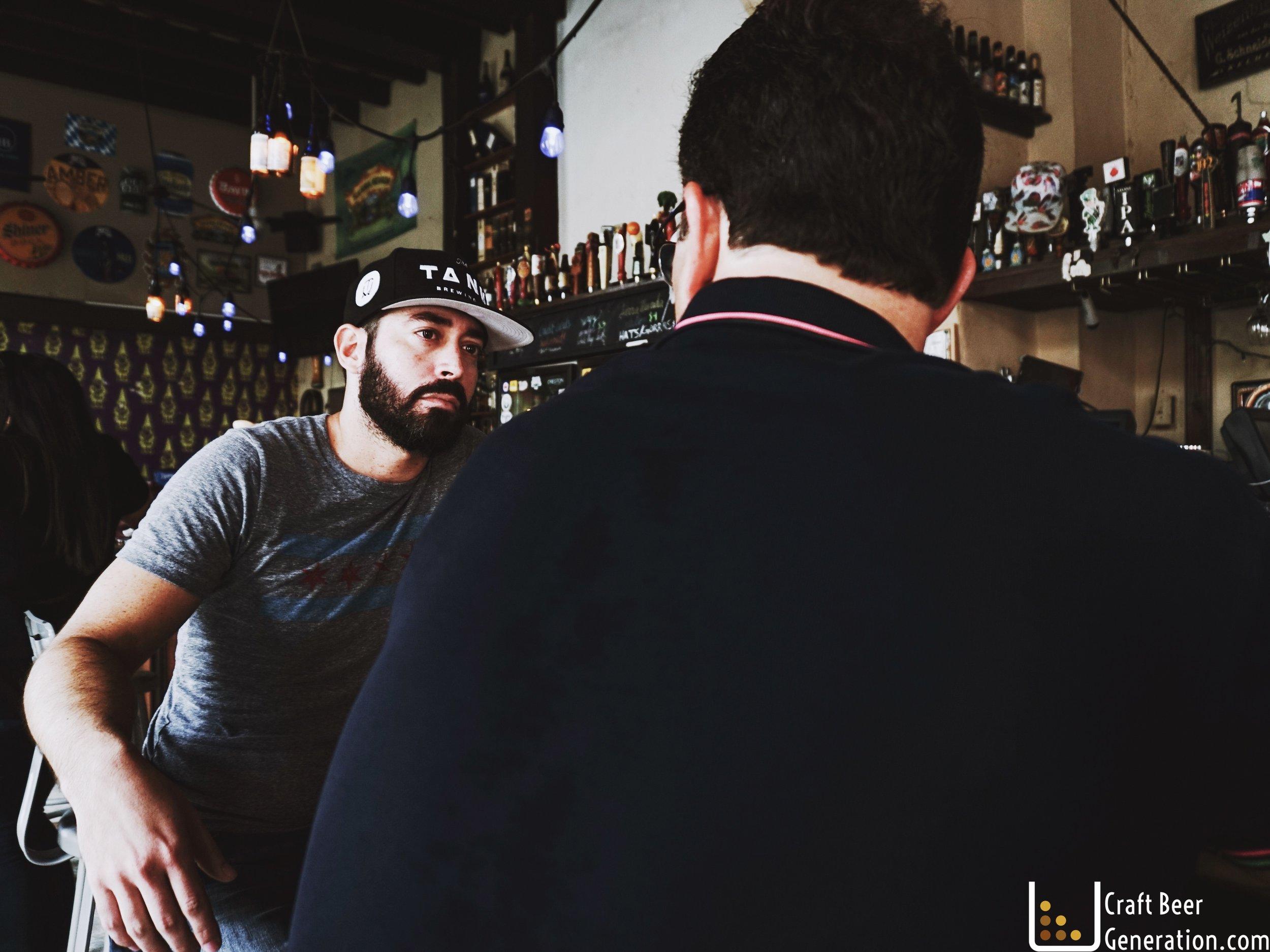 Deizquierda a derecha: Gustavo Franceschini de Craft Beer Generation y Alejandro Ballester, Presidente de Ballester Hermanos.