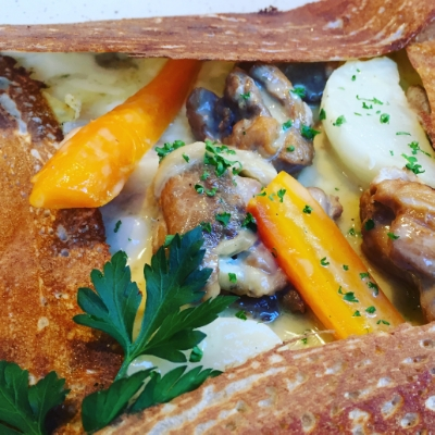 Cidre stewed chicken with turnip and carrot g    alette