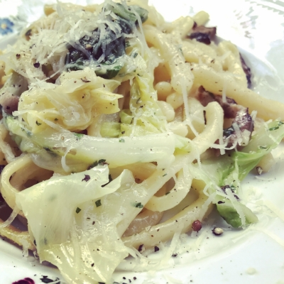 Thick cut pasta with cabbage and mushroom