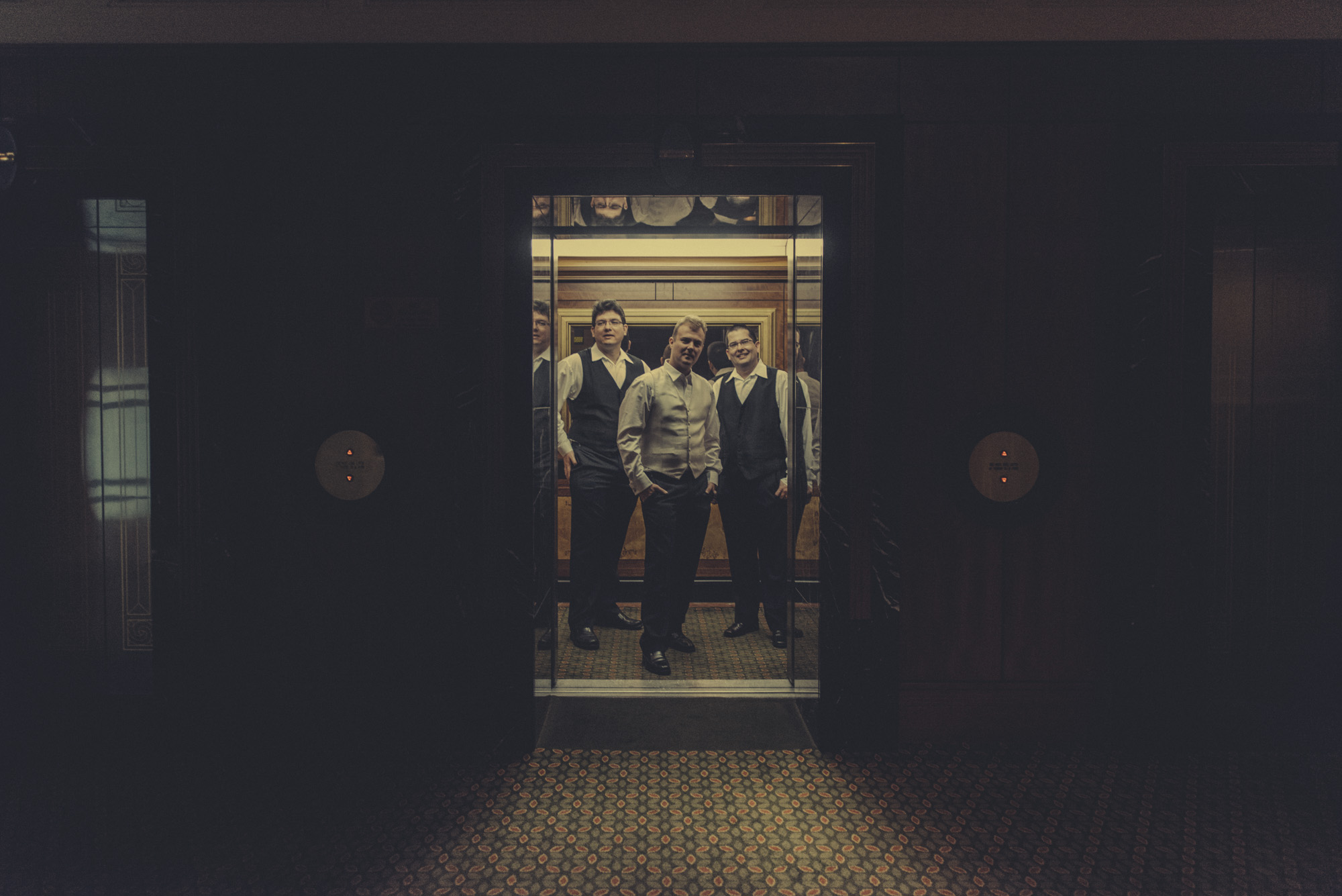 groomsmen in elevator  |  brisbane wedding photography  |  fuschia photography
