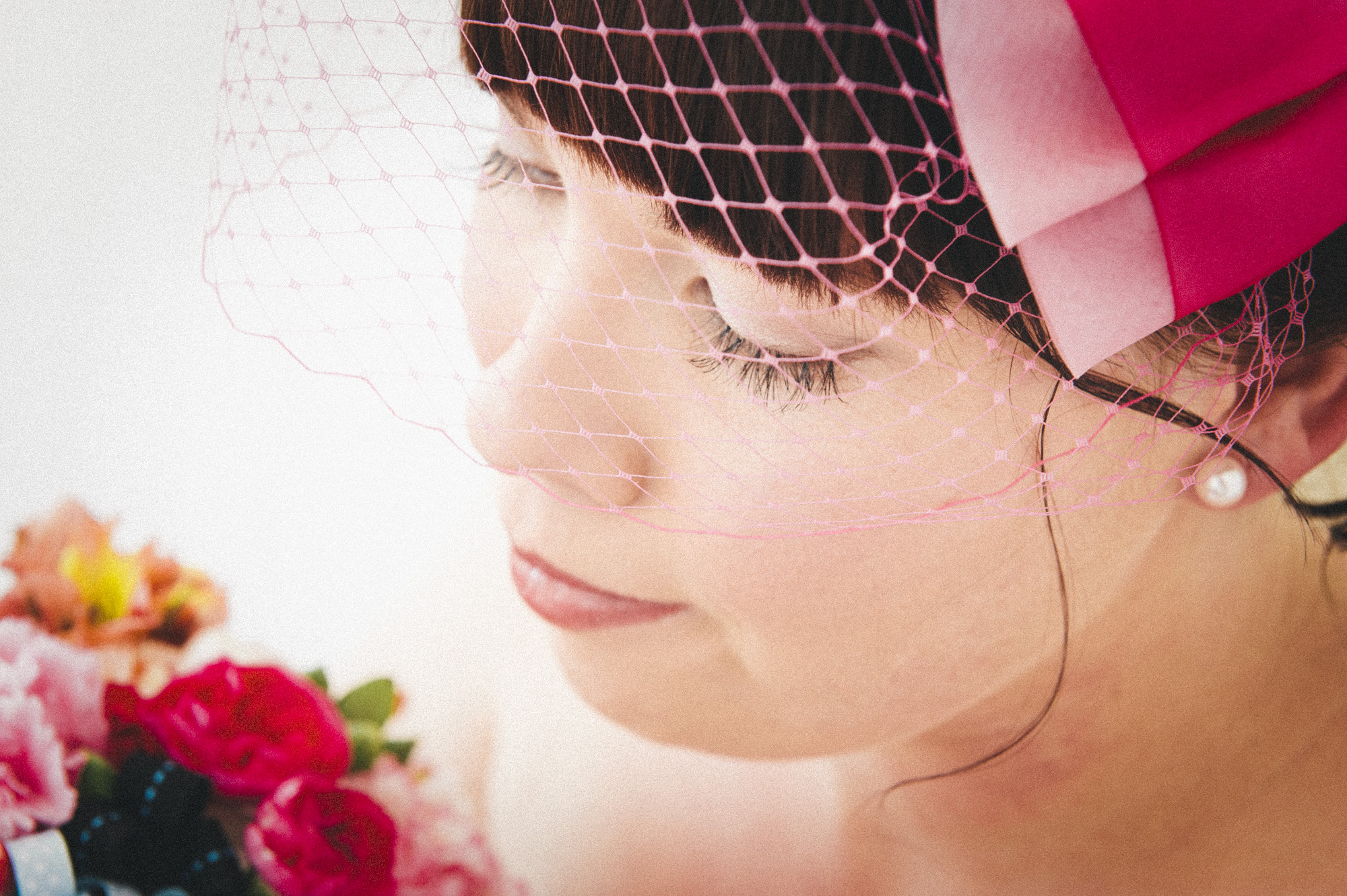 bride with pink birdcage veil  |  brisbane wedding photography  |  fuschia photography