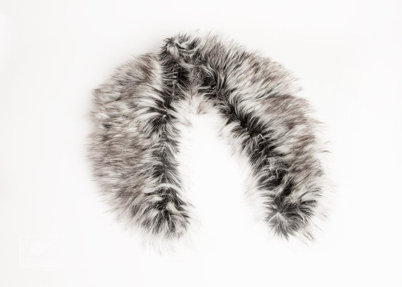 vintage-style fur collar