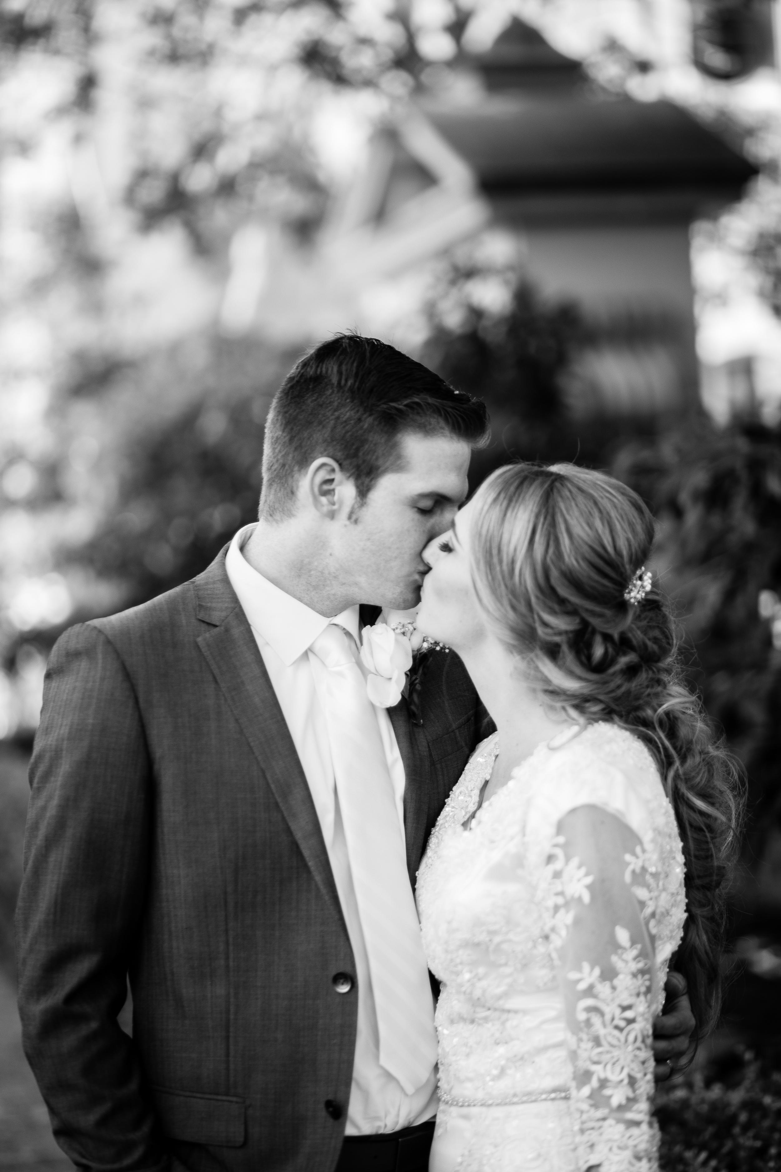 Garrett&Jenessa-6194-2.jpg
