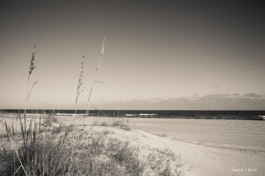 bw_beach.jpg