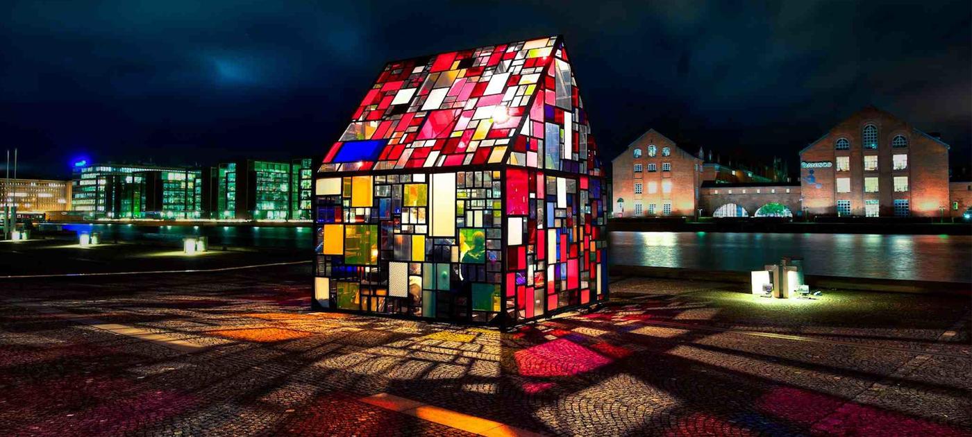 Reflection / Kolonihavehus (Source: dumboartsfestival.com)
