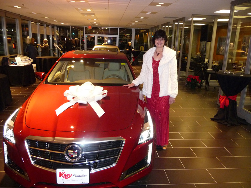 Holiday pianist meets CTS Coupe.