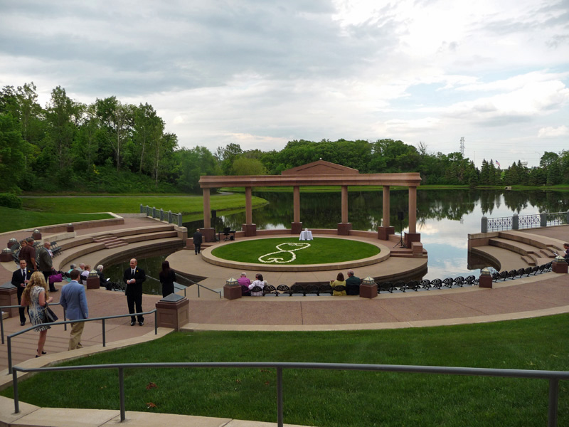 My piano is set up and ready for the wedding guests at the Carlson Center amphitheatre