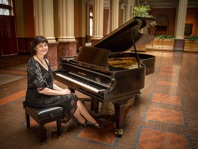 Pianist for Parties Sharon Planer