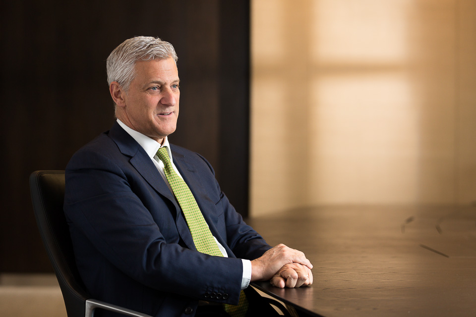 corporate photographer london, bill winters, standard chartered bank, ceo