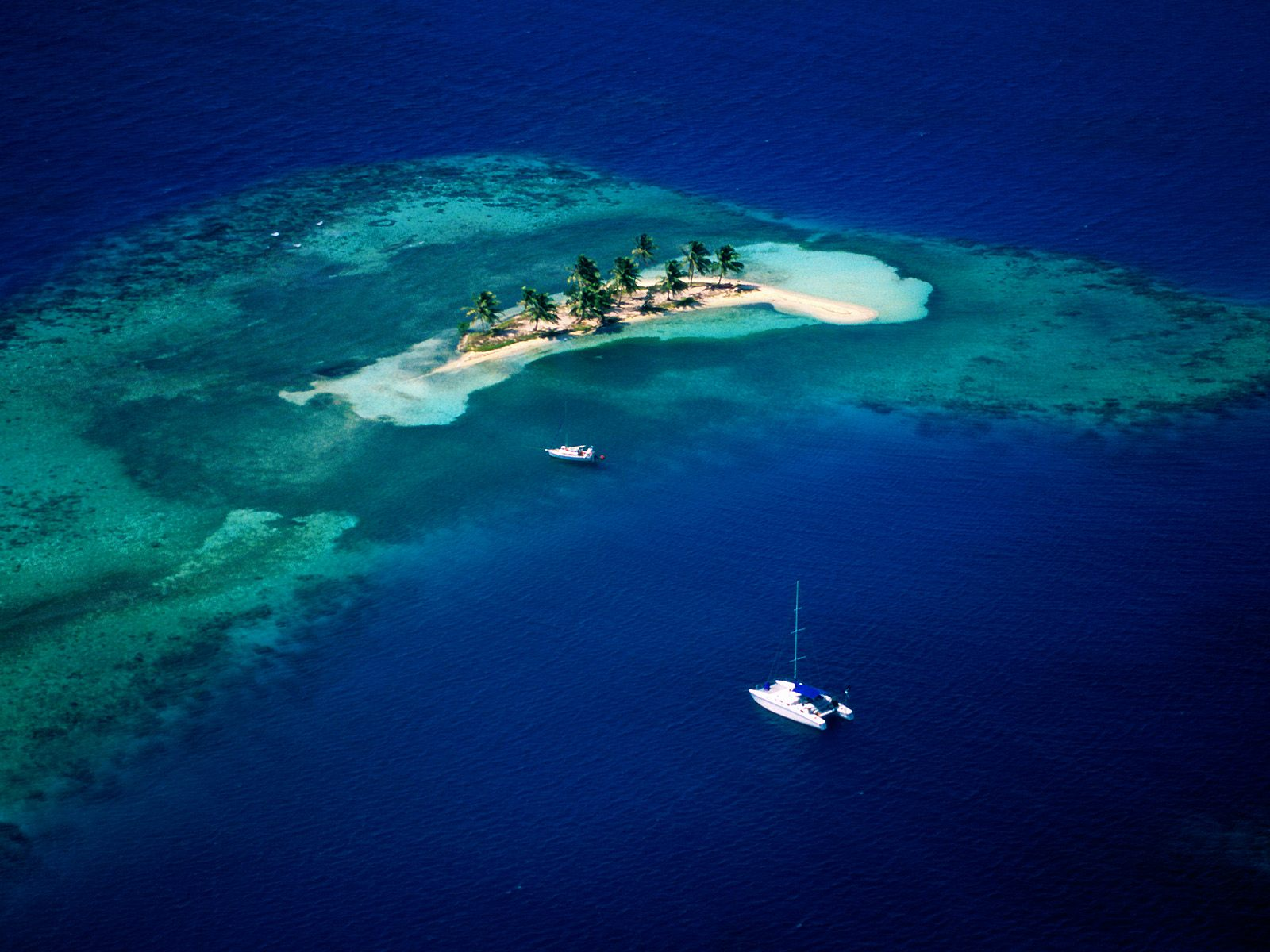 Goff's Cay, Belize — 17° 21.00'N 88° 02.18'W