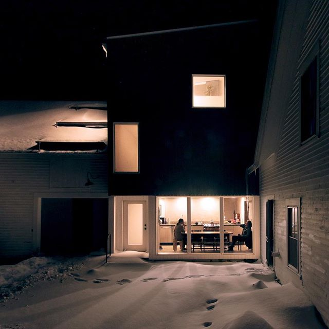 A clean, well-lighted place #jkurtzarchitects #nighthawks #snowtracks #architecture #hemmingway #rowinginoil @ground_view