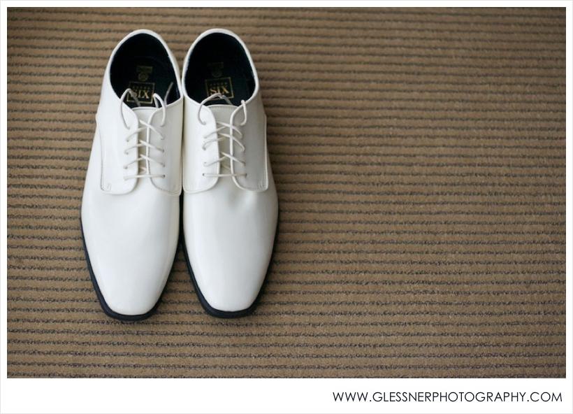 Leah+Chris-Wedding-Glessner Photography_0031.jpg