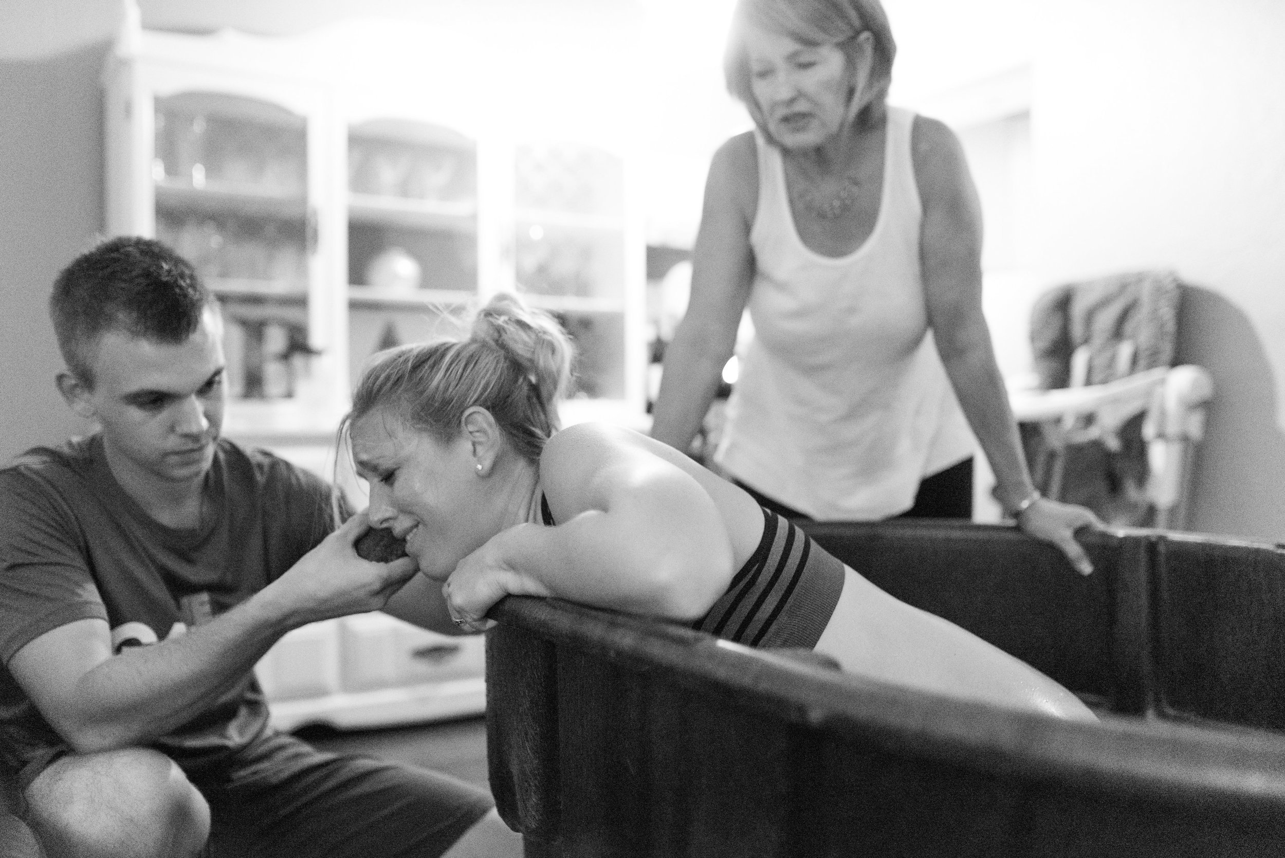 water birth with midwife charlie rae young of barefoot birth tampa fl