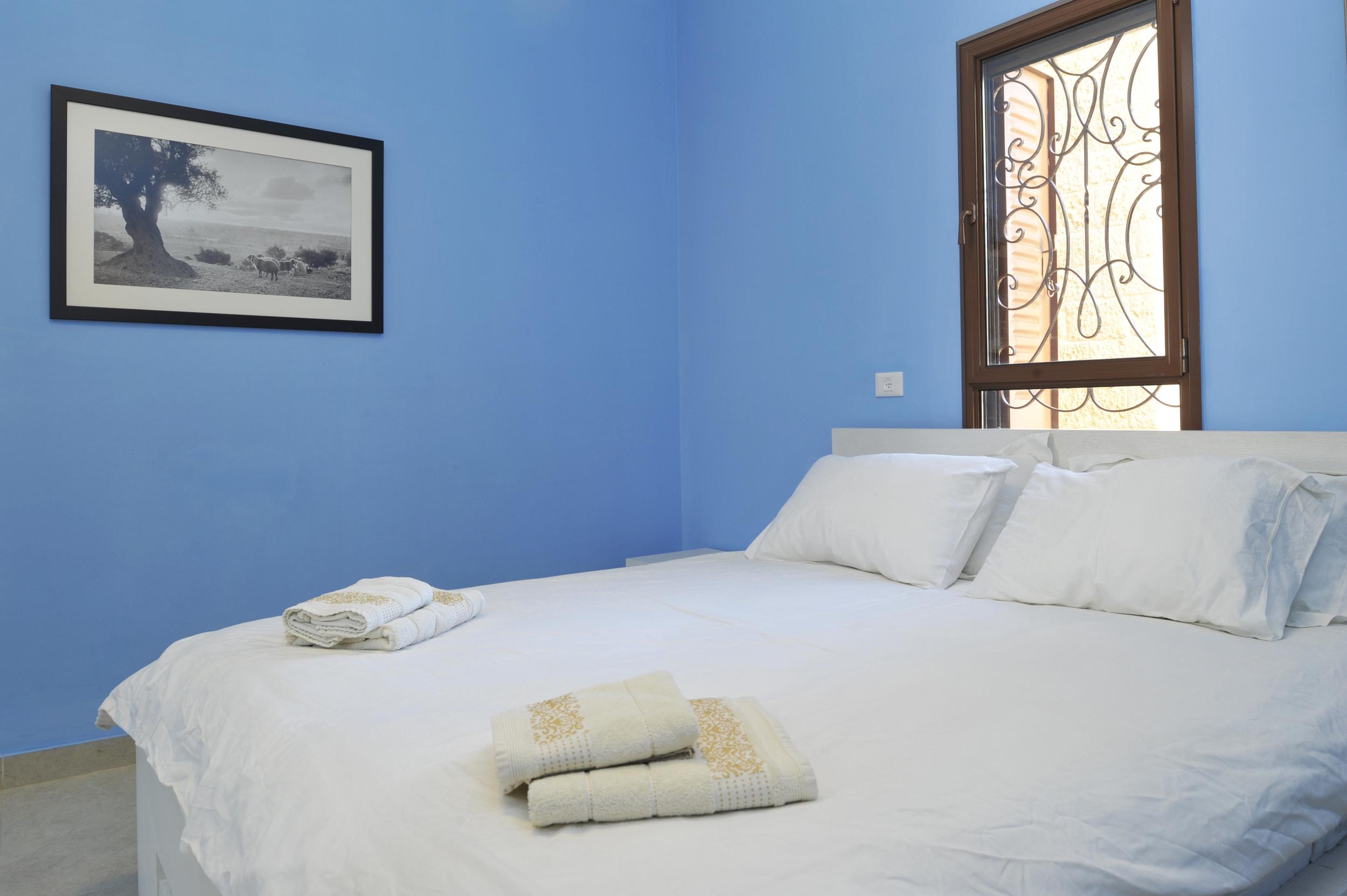 19 - Master Bedroom.JPG