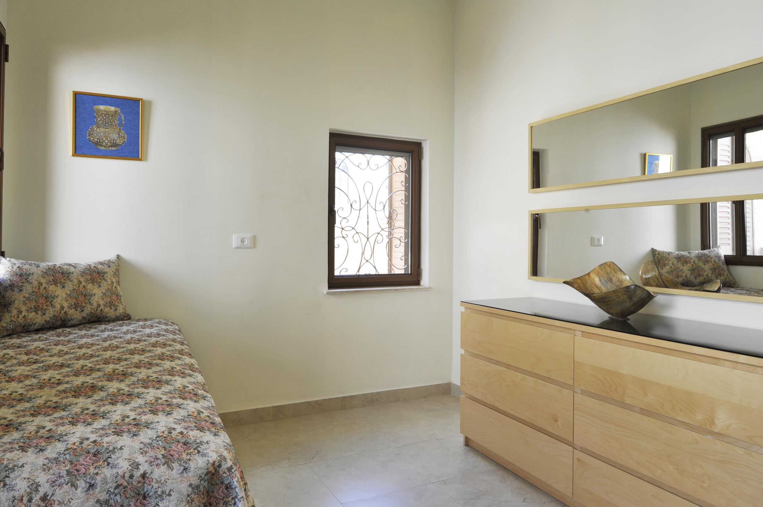 23 - Medium Bedroom.JPG