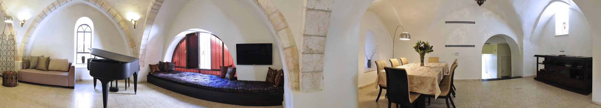 13 - Living Room Panorama.jpg