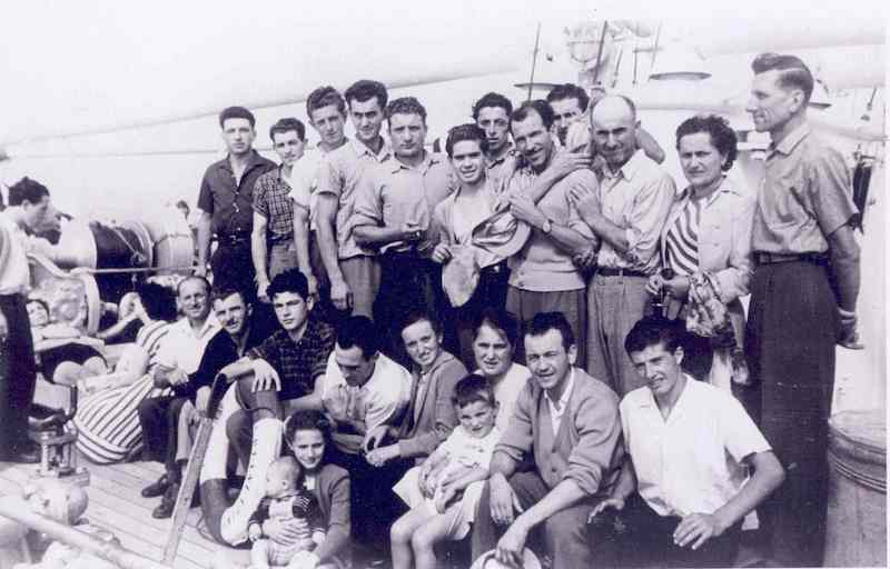 Italian_immigrants_1959.jpg