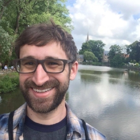 Drew Zolides  (@dzolides) is an Assistant Professor of Digital Media at Xavier University. Co-hosts Smarten Up
