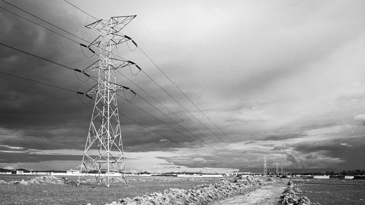 An electricity tower in the outskirts of Cholula, Puebla. Photographed with a Nikon FE sometime in 1993