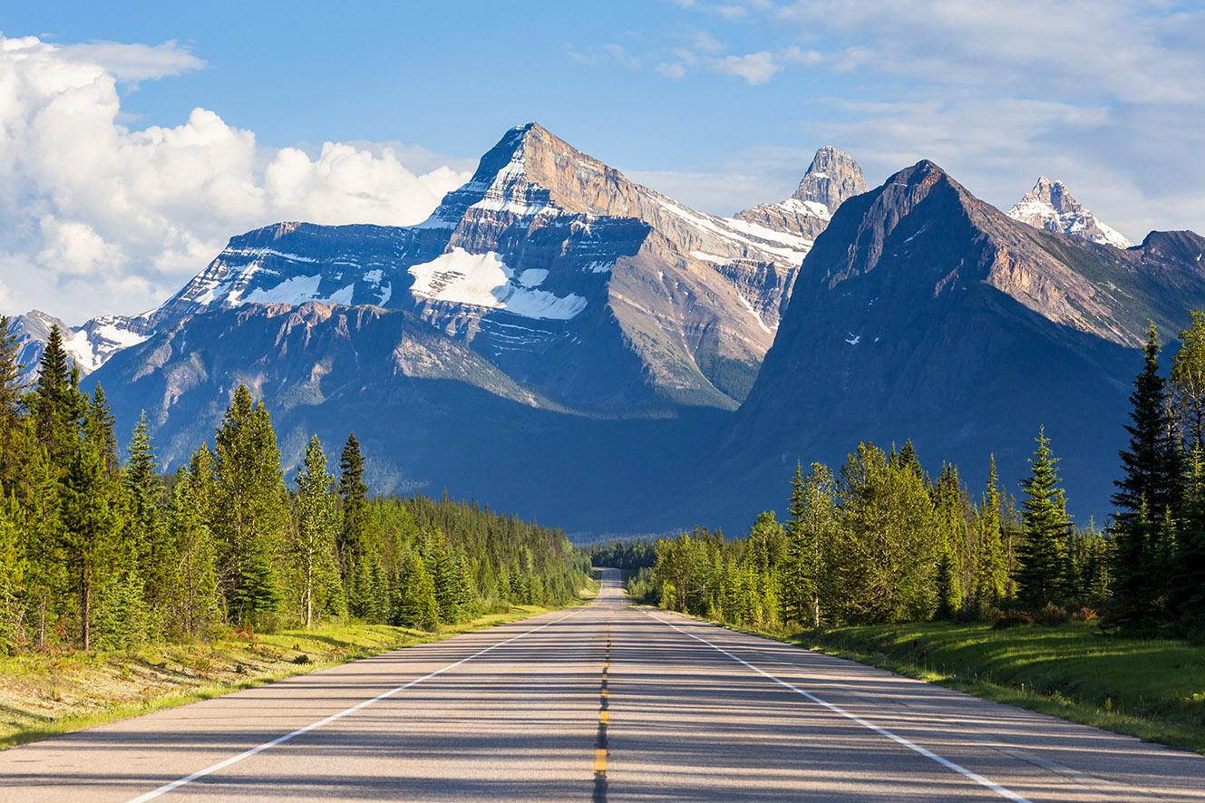 Alberta - Empty Road Rockies2.jpg
