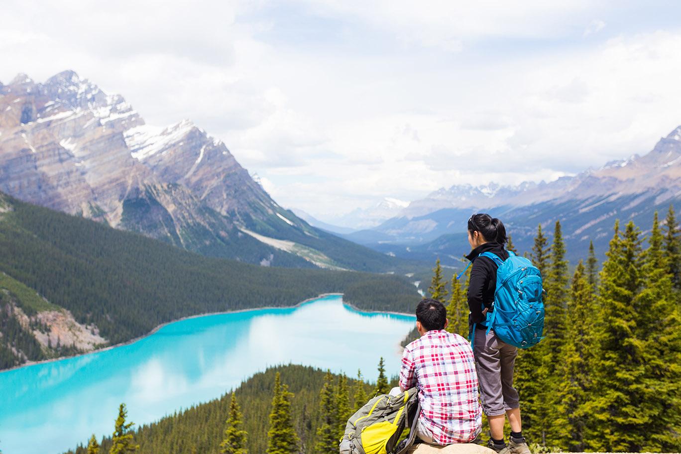 Alberta - Peyto Lake Couple.jpg