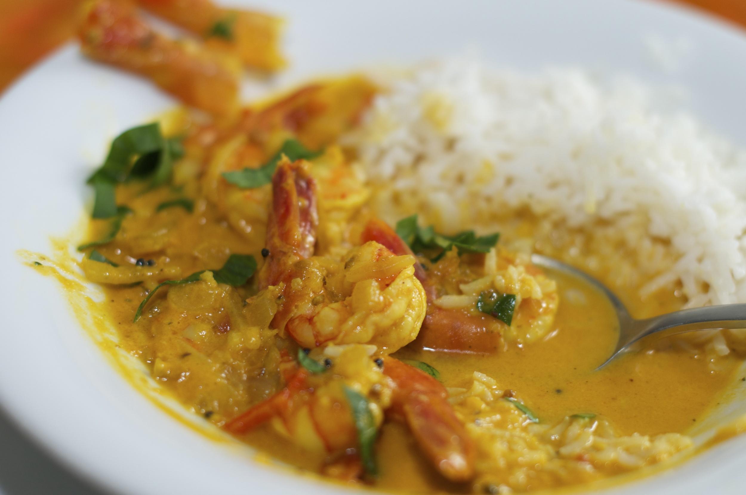 Curry z mleczkiem kokosowym i krewetkami.jpg