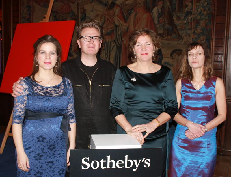 (v.l.n.r.) Dr. Nathalia Laue, Galeristin; Jörg Schmitz; Nina Buhne, Senior Director/Head of Office Sothebys Frankfurt; Dr. Ulrike Breidenstein, Präsidentin Inner Wheel Club Frankfurt Rhein Main e.V.