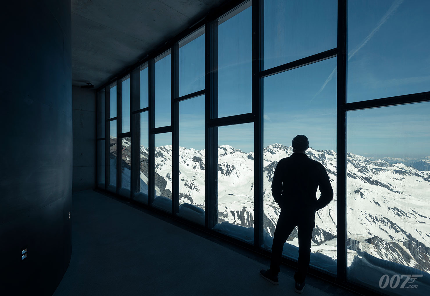 6.-Valley-Passage-007-ELEMENTS-Photo-credit-Kristopher-Grunert_Gallery.jpg