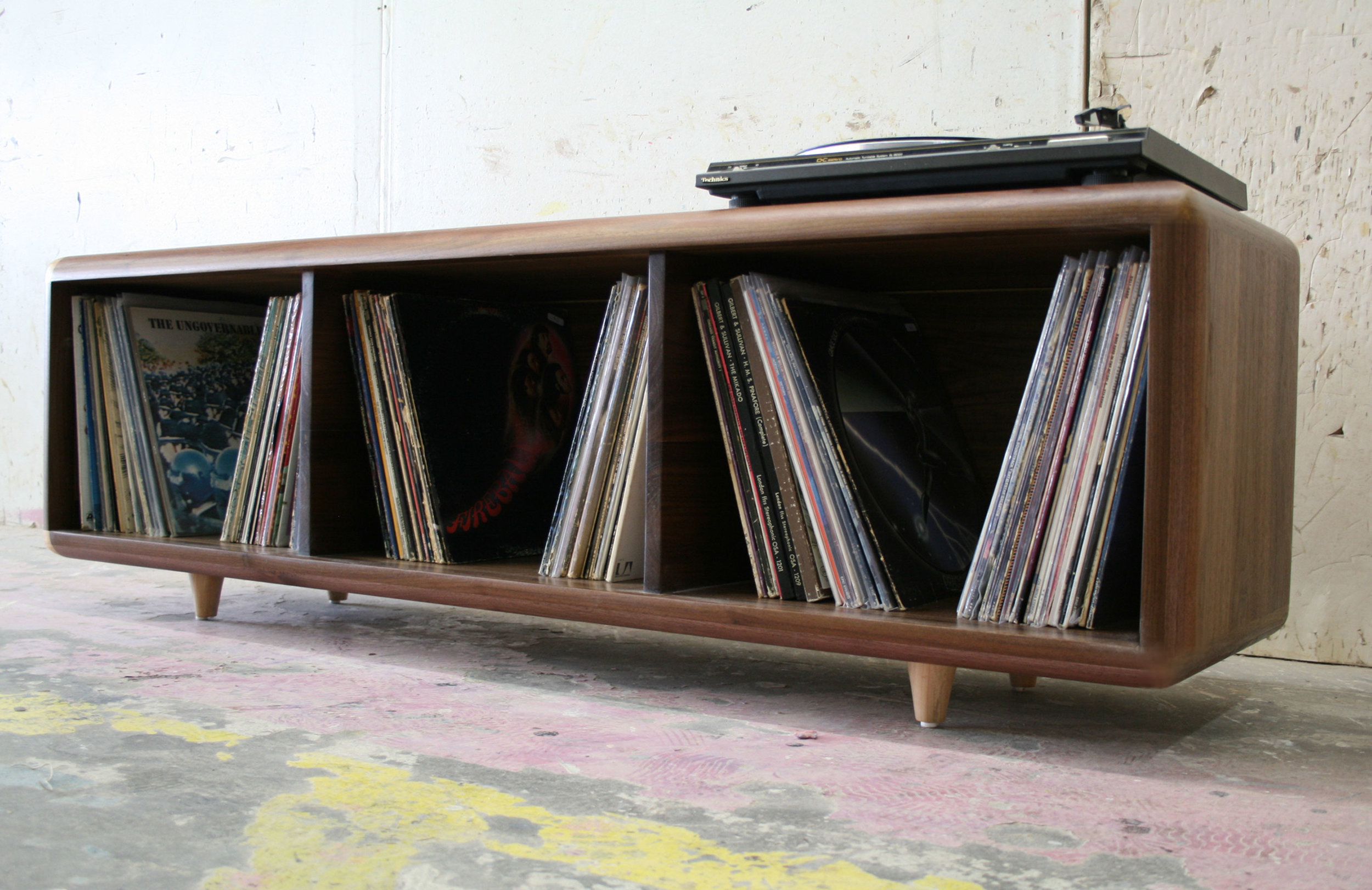 vinylstackswalnut2.jpg